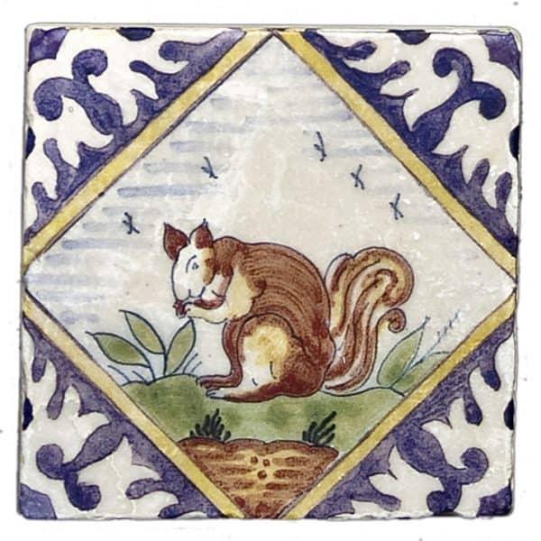 Delft Squirrel Accent