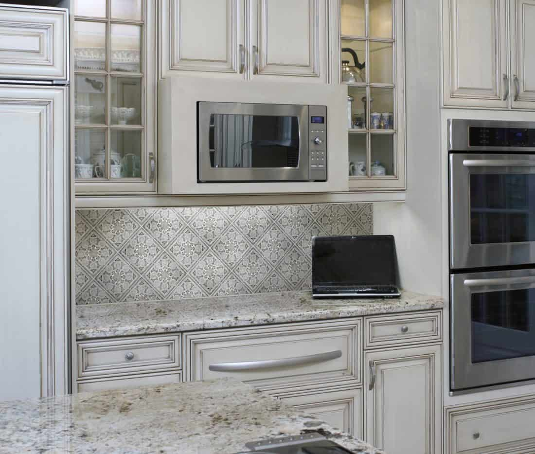 Labyrinth (Stone) Kitchen