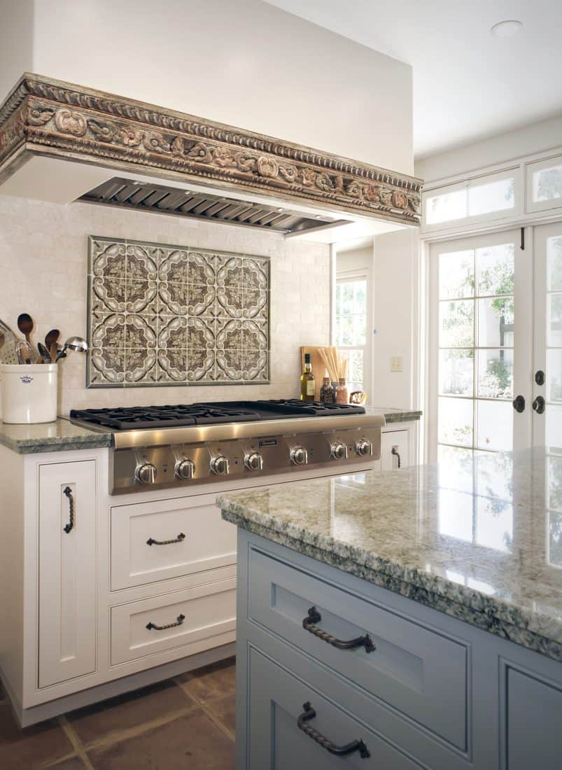 Minore Kitchen Backsplash