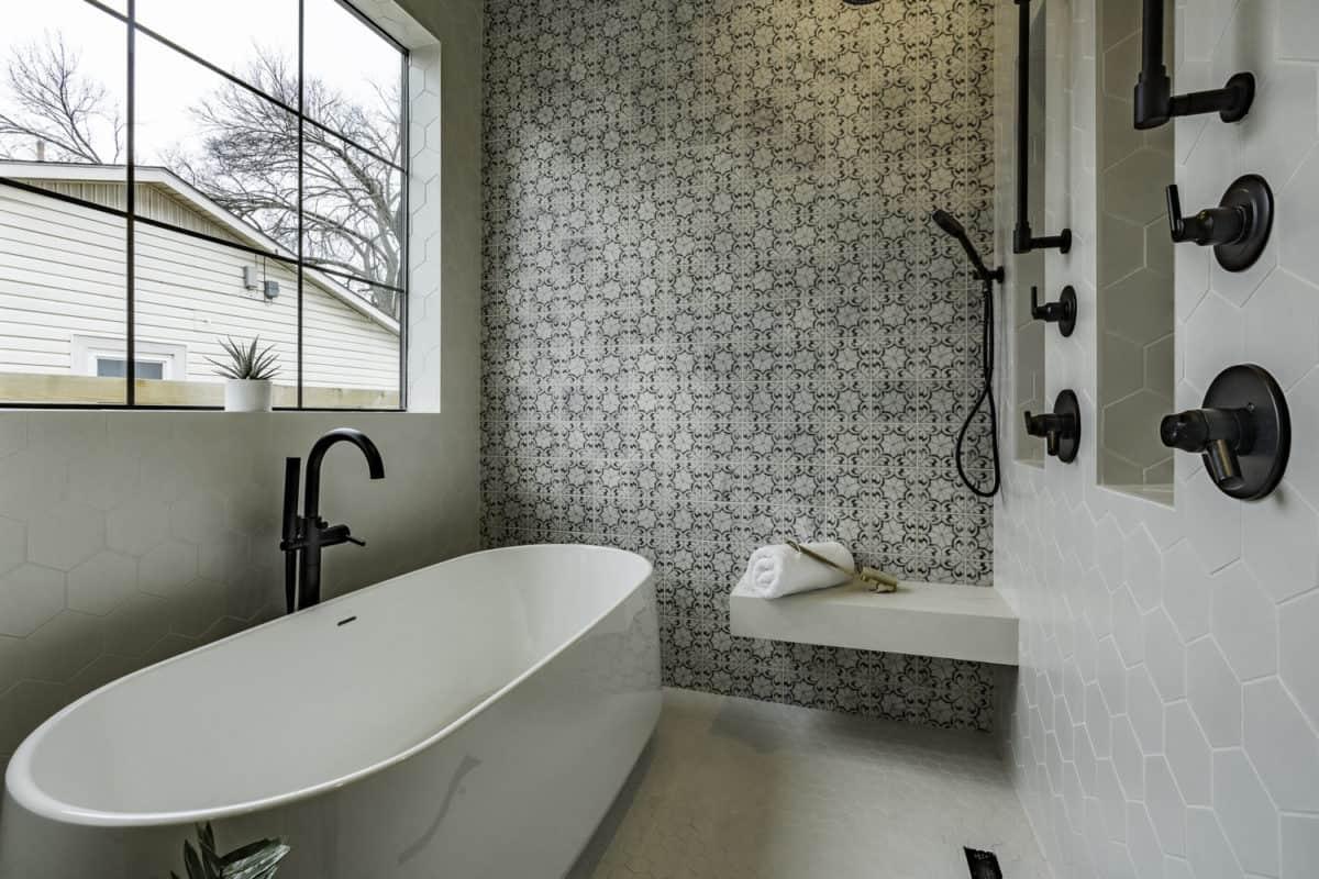 Oasis pattern in modern spanish master bathroom